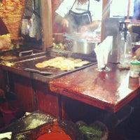 Photo prise au Tacos El tío par Toshiro K. le12/23/2012