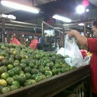 Photo taken at Pasar Maling Wonokromo by Indra Eka S. on 4/18/2013