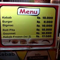 Photo taken at Kebab Ampel (Basecamp Kuliner arek RB) by Indra Eka S. on 7/14/2013