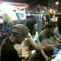 Photo taken at Kebab Ampel (Basecamp Kuliner arek RB) by Indra Eka S. on 5/7/2013