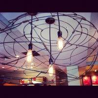 รูปภาพถ่ายที่ Starbucks โดย Lily B. เมื่อ 11/13/2012
