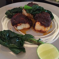 Photo prise au Sitka Restaurant par Rielz C. le10/3/2016