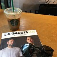Снимок сделан в Starbucks пользователем Antonio A. 7/14/2018
