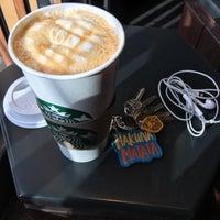 Снимок сделан в Starbucks пользователем Antonio A. 7/21/2018