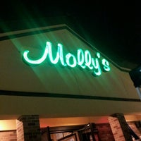 Photo taken at Molly's Eatery & Drinkery by Lhee &. on 5/10/2013