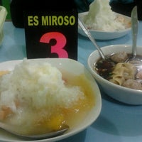 Photo taken at Bakso dan Es Campur Miroso by Achi Pasha M. on 12/3/2012