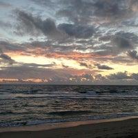 Foto tirada no(a) Spanish River Beach por Oge M. em 1/6/2013