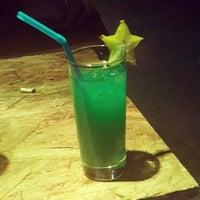 Foto tomada en Arenas Bar & Lounge por Carlos Antonio G. el 12/22/2013
