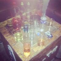 Foto tomada en Arenas Bar & Lounge por Carlos Antonio G. el 3/31/2013