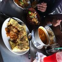 Photo taken at Restoran Alur Pinang by vOn on 9/29/2012