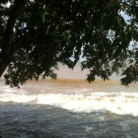 Photo taken at Paraíso Praia Resort by Rosana T. on 10/25/2012