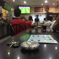 Photo taken at Restoran Salam Sentosa by Naufal T. on 4/16/2017