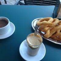 Foto tomada en Cafetería Churrería El Artesano por Denis el 12/22/2012