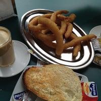 Foto tomada en Cafetería Churrería El Artesano por Denis el 12/9/2012