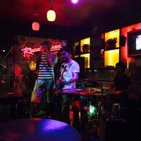 9/26/2014 tarihinde Meltem M.ziyaretçi tarafından Road House Bar'de çekilen fotoğraf