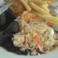 Foto tirada no(a) Tia Nelza Restaurante por Sandinailton R. em 3/22/2014