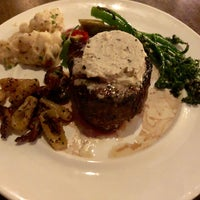 Foto diambil di RPM Steak oleh Sherri D. pada 8/24/2018