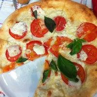 6/24/2013 tarihinde Yasemin U.ziyaretçi tarafından La Cucina'de çekilen fotoğraf