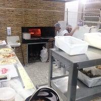 Photo taken at Delicata Pizzaria by Ricardo D. on 11/5/2016