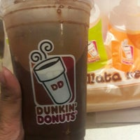 Photo taken at Dunkin' Donuts by Erick T. on 7/29/2016