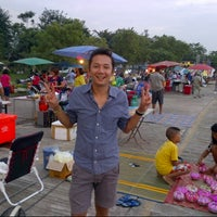 Photo taken at ริมเขื่อน เก้าเลี้ยว by teerawattana w. on 11/28/2012