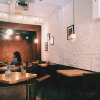 Foto tomada en Lorenzo / Café. Bar. por DiEgoo H. el 3/25/2016