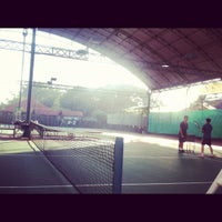Photo taken at Văn Thánh Tennis Court by Lam H. on 9/17/2012
