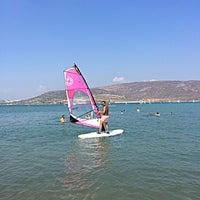 Photo taken at Alaçatı Surf Paradise Club by SeNeS on 8/25/2018
