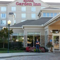 Photo taken at Hilton Garden Inn Atlanta NE/Gwinnett Sugarloaf by Sam D. on 9/26/2013
