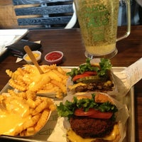 Photo taken at Shake Shack by Оксана К. on 3/10/2013