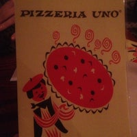 Photo taken at Uno Pizzeria & Grill - Chicago by Garett P. on 3/28/2013