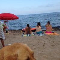 Foto tomada en Playa La Renega por Stefani V. el 7/14/2013
