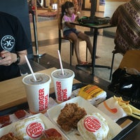 Photo taken at Burger King by ☠Betania S. on 7/7/2016