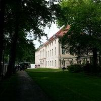 6/1/2013 tarihinde Frankziyaretçi tarafından Schlosspark Niederschönhausen'de çekilen fotoğraf