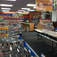 Photo taken at Blockbuster by Roberto L. on 1/30/2013