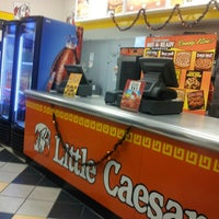 Photo taken at Little Caesars by Luis Armando C. on 11/2/2013