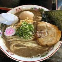 Photo taken at らー麺 Do・Ni・Bo by ゆず氏 on 12/3/2017