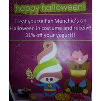 Photo taken at Menchie's Frozen Yogurt by Krystalle W. on 10/31/2013