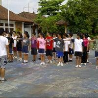 Photo taken at lapangan basket sman 6 denpasar by Dex K. on 12/18/2012