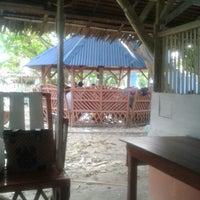Photo taken at Villa Asela by Cielou A. on 5/20/2014