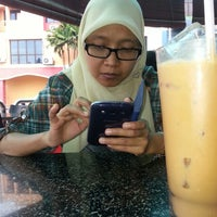 Photo taken at Restoran Ali's Corner by H|A|K|I|M@A|K|E|M on 3/17/2013