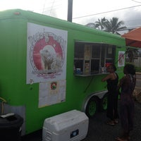Das Foto wurde bei Pacos Tacos von Throy C. am 12/10/2013 aufgenommen