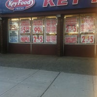 Photo taken at Key Food by khrystsina t. on 9/21/2012