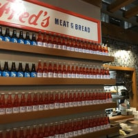 Foto scattata a Fred's Meat & Bread da Ted S. il 11/23/2017