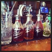 Das Foto wurde bei The Woodsman Tavern von Annie F. am 3/16/2013 aufgenommen