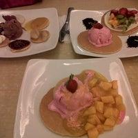 Photo taken at Mr. Pancake by Matahari N. on 10/28/2012