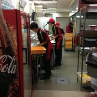 Photo taken at PHD - Pizza Hut Delivery by Griajeng R. on 9/1/2013
