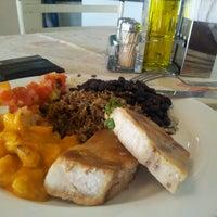 Foto tirada no(a) Tia Nelza Restaurante por Juliano S. em 8/19/2013