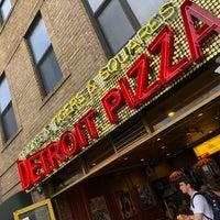8/17/2018에 Benjamin M.님이 Lions & Tigers & Squares에서 찍은 사진