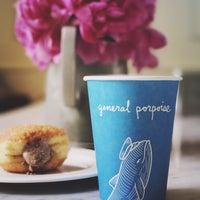 6/3/2017 tarihinde Heather M.ziyaretçi tarafından General Porpoise Coffee & Doughnuts'de çekilen fotoğraf